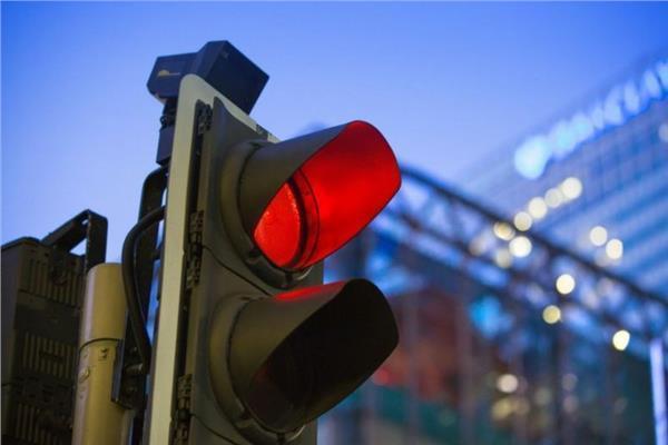 المرور تخصص رقم في حالة تعطل السيارات على الطرق السريعة