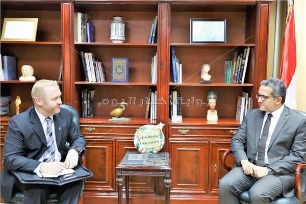 وزير الاثار وسفير نيوزلاندا بالقاهرة