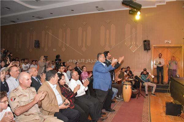 العرض الثاني لأوبريت الجزيرة الخضراء يشعل مسرح جامعة عين شمس