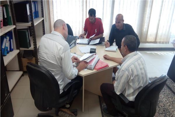 صورة لأعضاء اللجنة