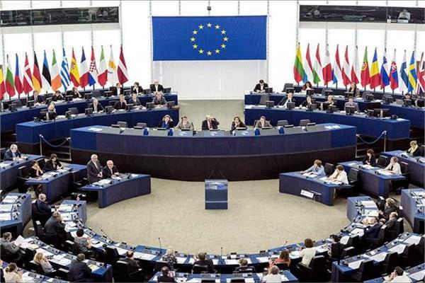 الجارديان: انتخابات البرلمان الأوروبي تدخل يومها الأخير وتوقعات بمكاسب لصالح الأحزاب القومية
