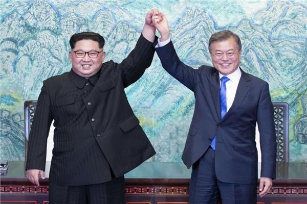 إعلام كوريا الشمالية يطالب سول بتحسين العلاقات بين الكوريتين بدلا من تقديم المساعدات