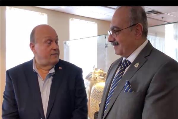 وزير سياحة أونتاريو يزور المتحف المصري في «ميسيساجا»