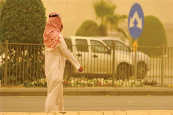 طقس الخليج اليوم  درجات الحرارة تقترب من الـ 50 في الكويت