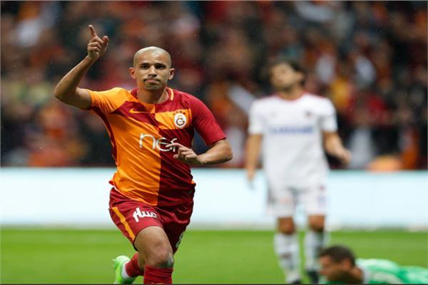 اللاعب الجزائري الدولي سفيان فغولي