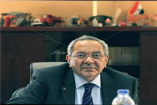 الدكتور /أسامة عباس