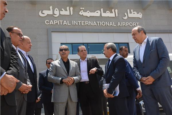 وزير الطيران المدني يتفقد مطار العاصمة الدولي تمهيدا للتشغيل التجريبي