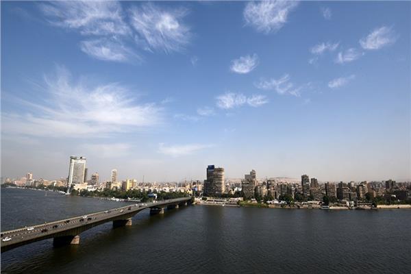 الأرصاد: طقس الجمعة مائل للحرارة.. والعظمى في القاهرة ٣٣