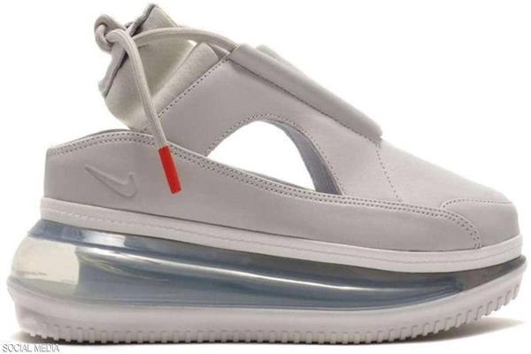 الحذاء النسائي المكواة