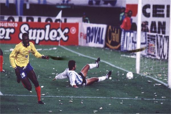 هدف كولومبيا الأول في الأرجنتين
