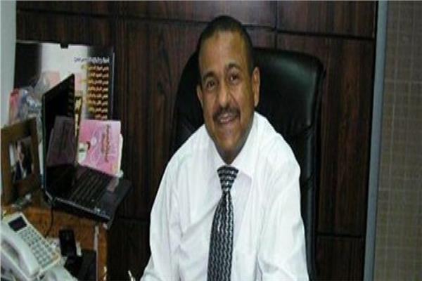 عمرو أبو العيون