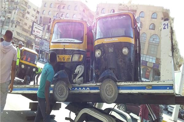 جهاز مدينة 6 أكتوبر يحظر سير التوك توك بالمدينة