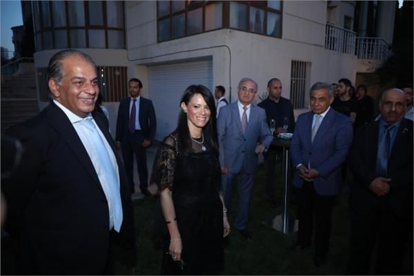 صورة  وزيرة السيحة والسفير عادل إبراهيم سفير جمهورية مصر العربية لدي أذربيجان