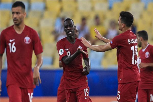فرحة لاعبي منتخب قطر بالتعادل