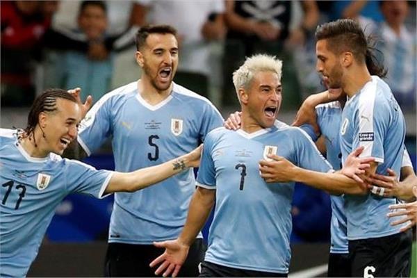 فرحة لاعبي أوروجواي بالهدف