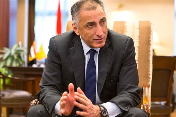 محافظ المركزي يكشف موعد طرح حصة بنك القاهرة في البورصة