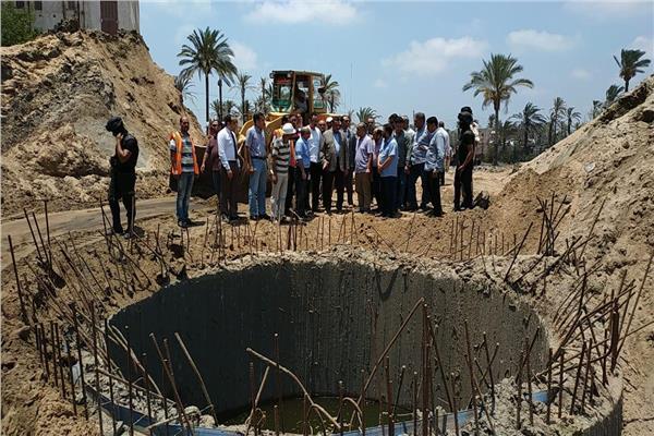 محافظ البحيرة يتفقد  مشروع الصرف الصحى  رشيد