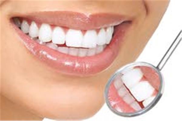 استشاري يوضح كيفية الحفاظ على الأسنان طول العمر