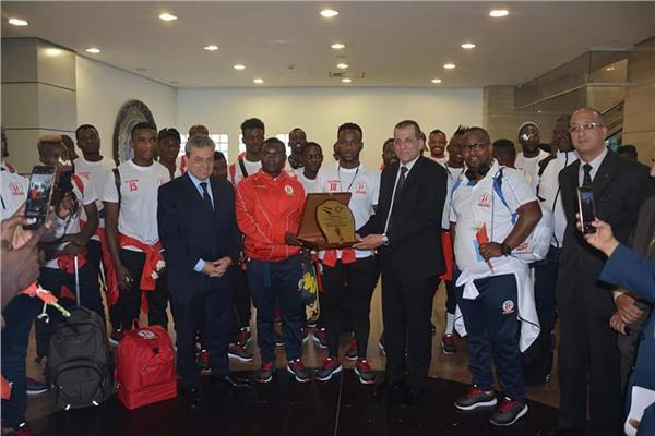 وصول منتخب بوروندى و ناميبيا إلى مطار القاهرة