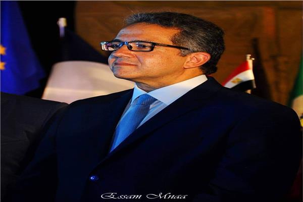الدكتور خالد العناني وزير الآثار