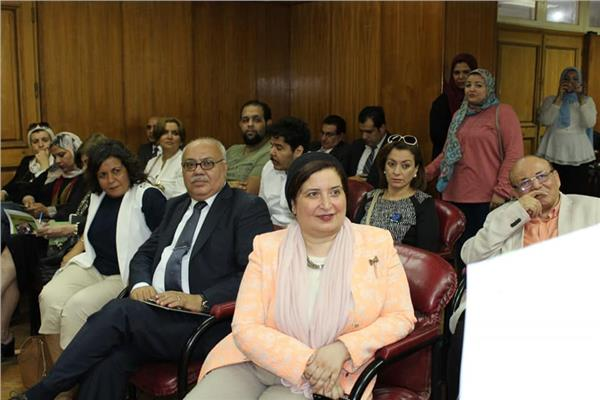 بحضور كوكبة من الإعلاميين عرض مشاريع تخرج طلاب كلية البنات جامعة عين شمس