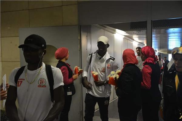 منتخب كينيا يصل مطار القاهرة