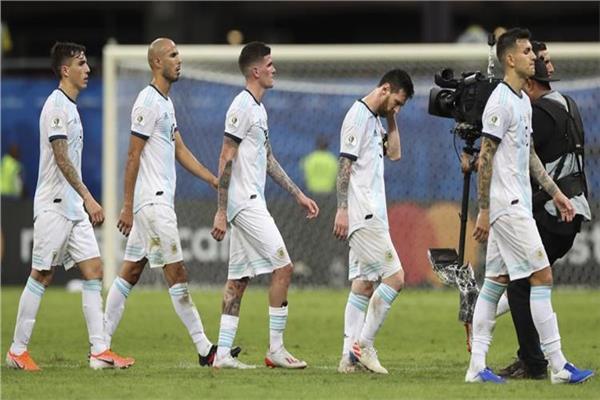 ليونيل ميسي وبعض لاعبي منتخب الأرجنتين