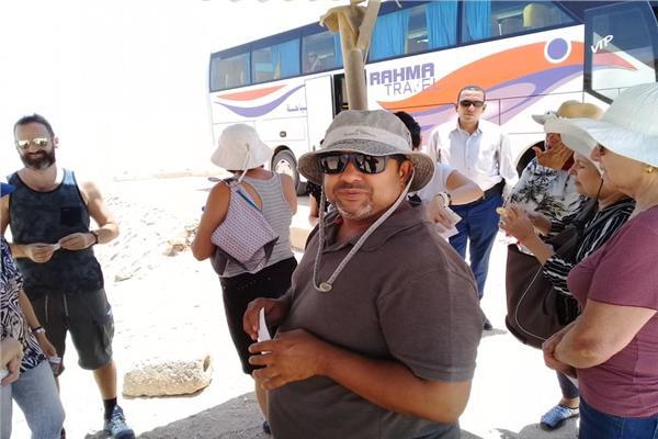 وفد برازيلي يزور منطقة آثار تل العمارنة بالمنيا