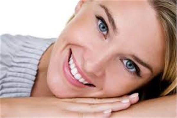 الوجوه التجميلية تعالج المشكلات الناجمة عن تقويم الأسنان