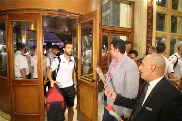 وصول بعثة تونس الى مقر اقامتهم في السخنة