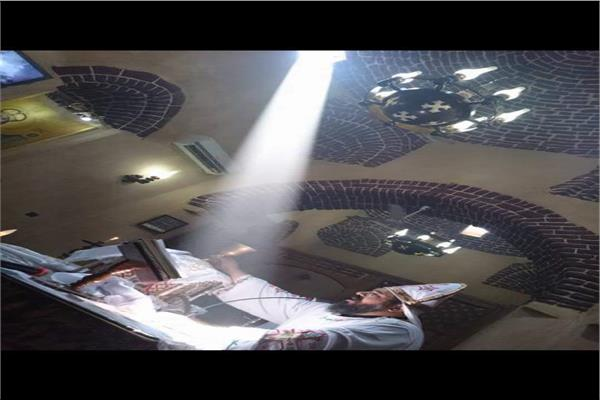 """التليفزيون الألماني وفريق معهد الفلك يشهدون تعامد الشمس على مذبح """"الملاك"""" في عيده"""
