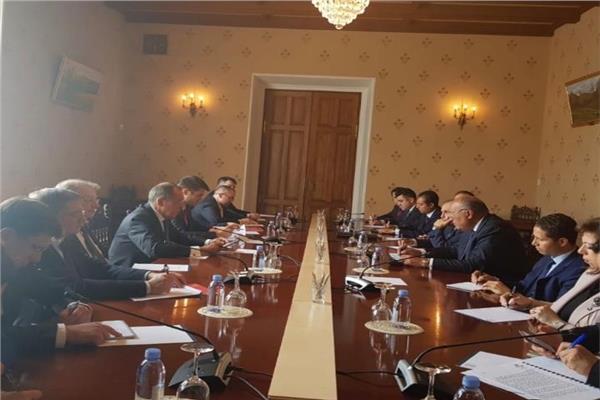 وزير الخارجية يعقد جلسة مباحثات مع نظيره الروسي في إطار اجتماعات صيغة (2+2) بموسكو