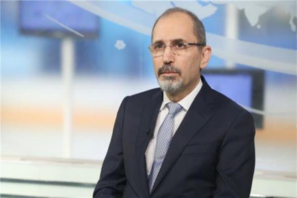 وزير الخارجية الأردني يبحث مع المفوض الأوروبي سبل تطوير التعاون