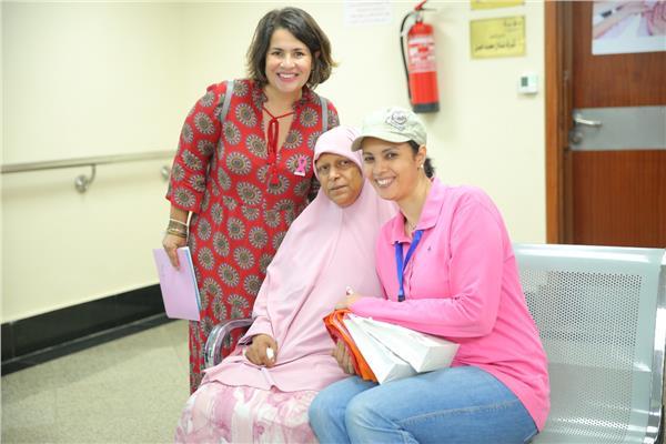 انجي وجدان تدعم محاربات سرطان الثدي في بهية