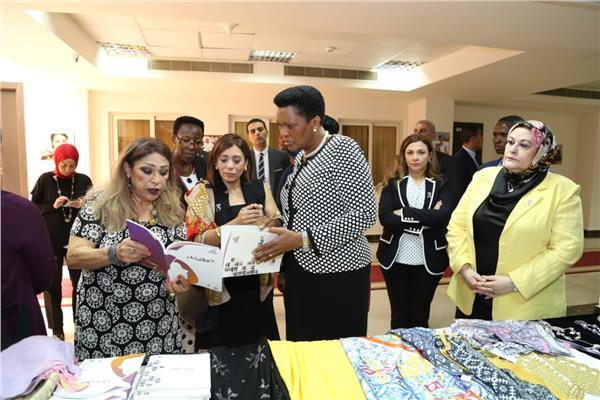 سيدة بوروندي الأولى تزور المجلس القومي للمرأة