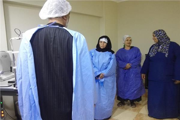 مستقبل وطن سمالوط يجرى 3 عمليات عيون بالمجان