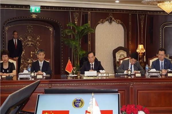 وزير الداخلية يستقبل وزير الأمن العام بالصين