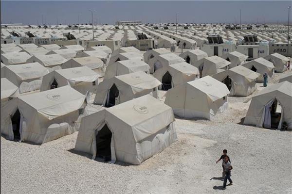 مخيمات اللاجئين السوريين بتركيا