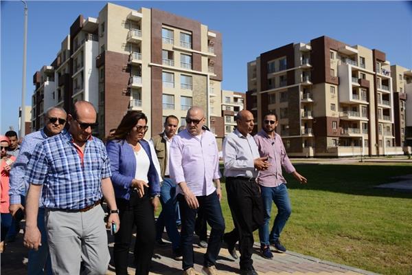 """محافظ دمياط ووزير الإسكان يتفقدان مشروع الإسكان المتوسط"""" دار مصر"""""""