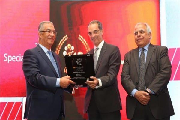 وزير الاتصالات خلال احتفالية جمعية اتصال