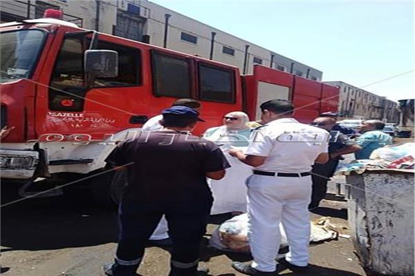 السيطرة على حريق في سوق الجمعة بالإسكندرية