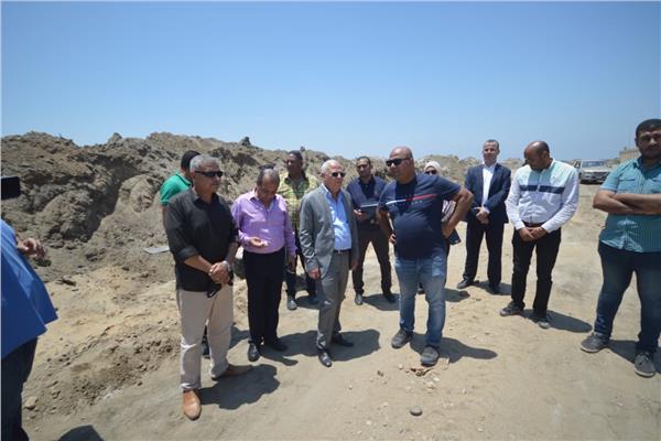 محافظ بورسعيد يتابع إنشاء أكبر مصنع لاطارات السيارات