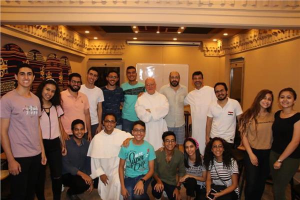 «الكاثوليكية» تنظم أولى محاضرات اللاهوت للآباء الدومنيكان مع الشباب