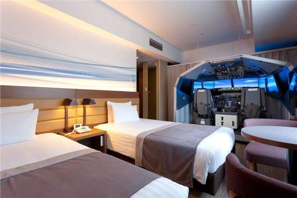 من داخل غرفة فندق باليابان.. «رحلة طيران» عالمية