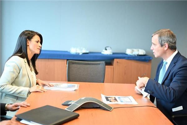 وزيرة السياحة تعقد اجتماعا موسعا مع مسئولي مؤسسة التمويل الدولية ومجموعة البنك الدولى