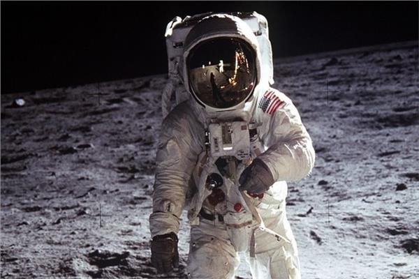 """رحلة الفضاء """"أبو للو 11 """" الأمريكية"""