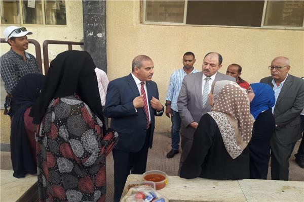 رئيس جامعة الأزهر يقرر استمرار طالبات خامسة طب حتى نهاية الامتحانات