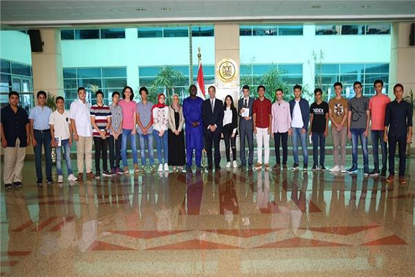 خلال تكريم الطلاب الأوائل خريجي مبادرة مبرمجي المستقبل