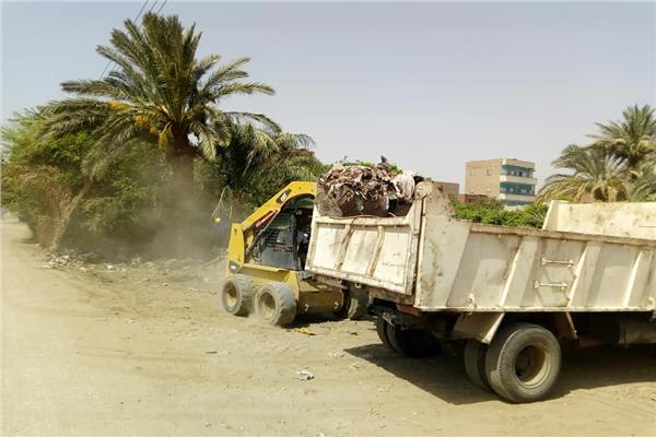 رفع 165 طن من القمامة
