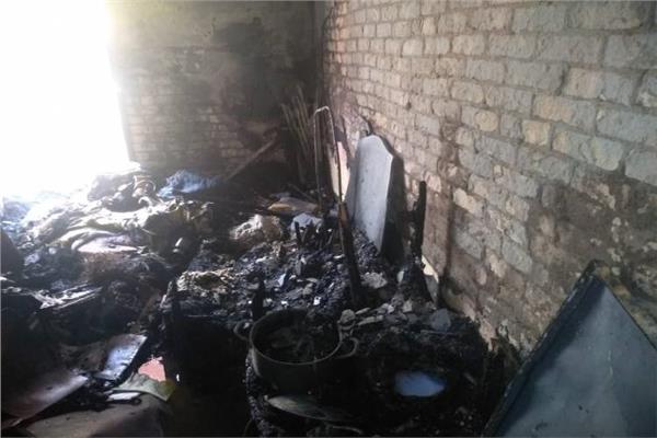 عاطل يشعل النيران في منزل أسرته بالإسكندرية